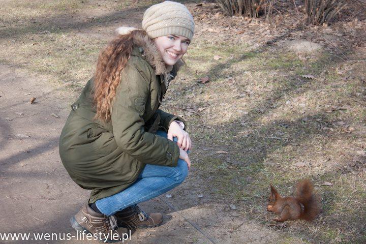 dokarmianie wiewiórki