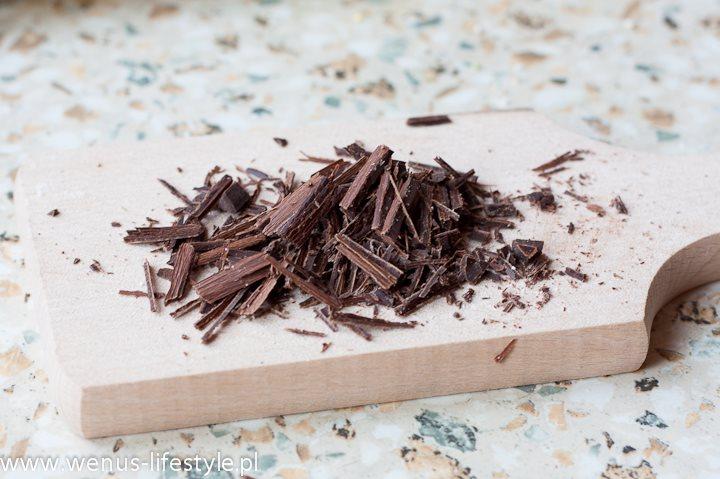 posiekana czekolada gorzka