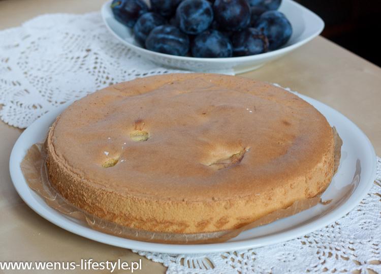 Przepis na bezglutenowe ciasto ze śliwkami