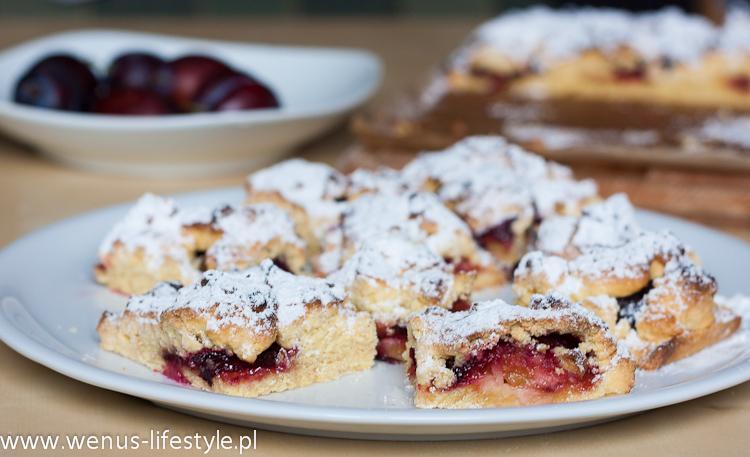 kruche ciasto ze śliwkami i cukrem pudrem (2)