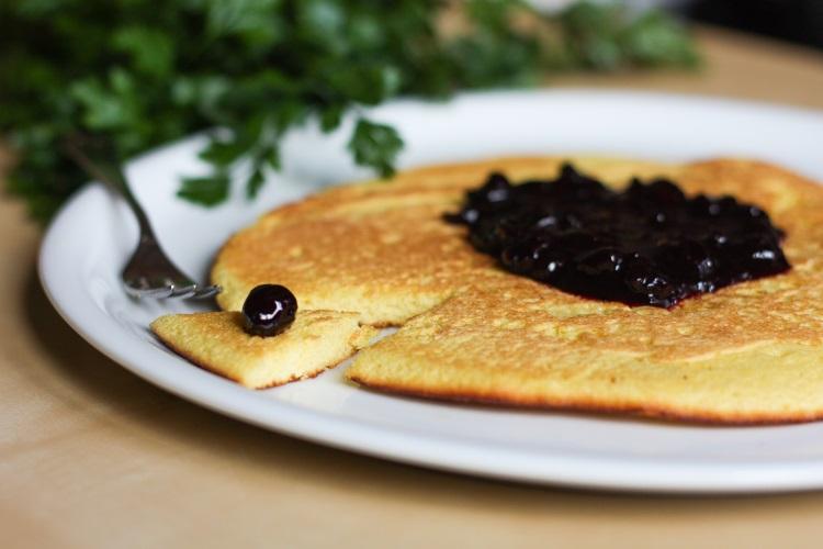 omlet przepis bezglutenowy z mąką kukurydzianą puszysty prosty szybki na słodko przepisy omlety